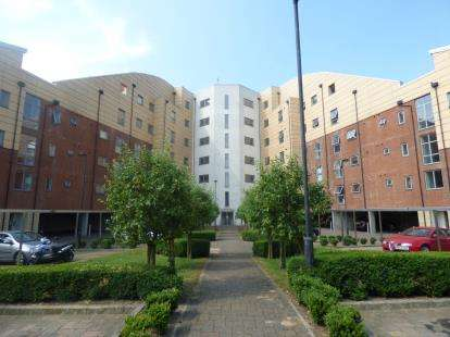 2 Bedrooms Flat for sale in Staverton Grove, Broughton, Milton Keynes