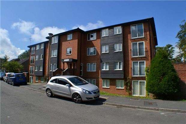 1 Bedroom Flat for sale in Oakhill Lodge, Reedham Drive, PURLEY, Surrey, CR8 4DT