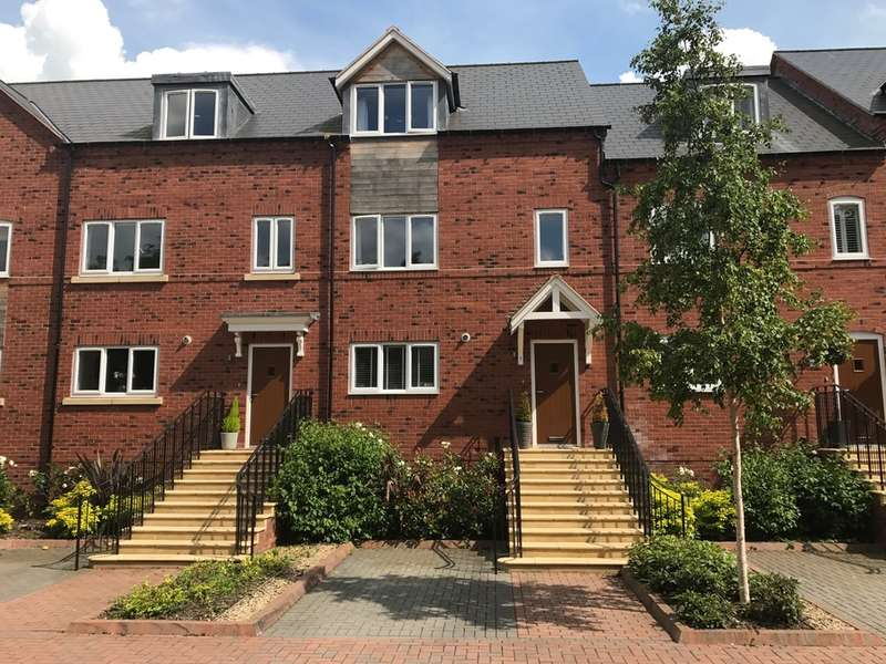 3 Bedrooms Town House for sale in Nash Court, Forge Lane, Belbroughton, Stourbridge, DY9