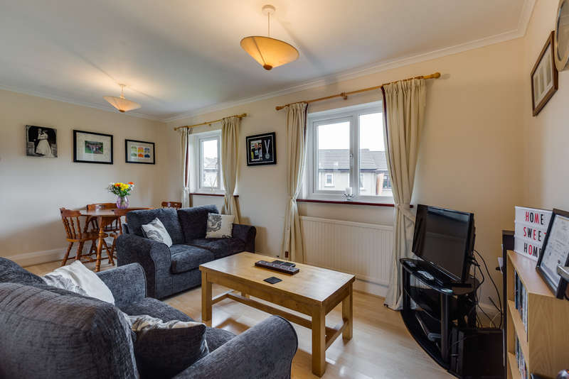 2 Bedrooms Flat for sale in 36 Lowther Park, Kendal.