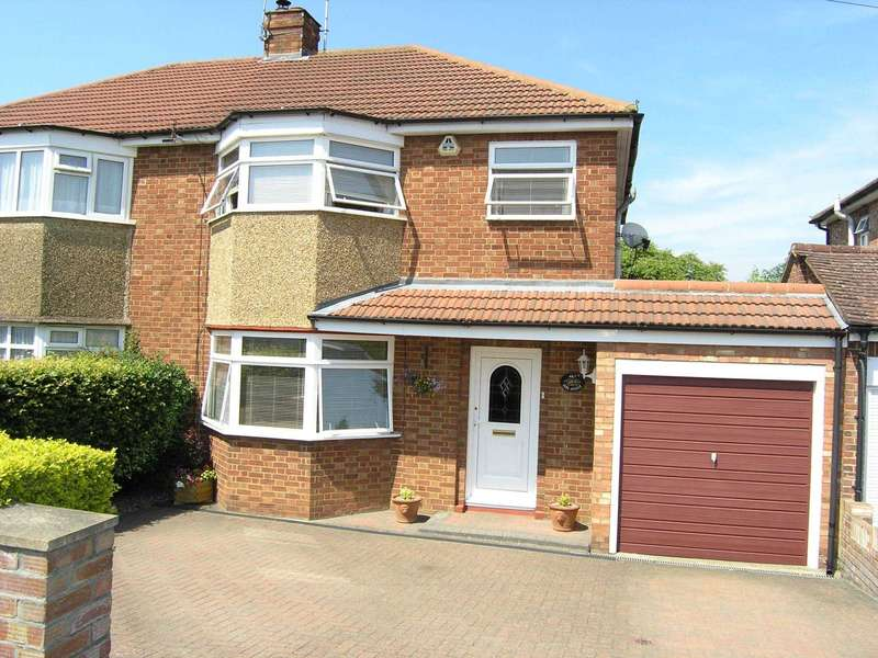 3 Bedrooms Semi Detached House for sale in Park Avenue, North Bushey