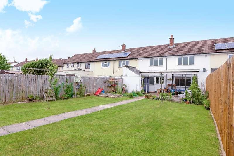 3 Bedrooms Terraced House for sale in Queensway, Guiseley, Leeds, LS20 9LB