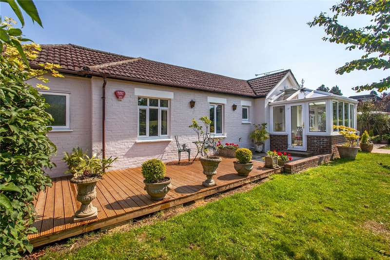 3 Bedrooms Detached Bungalow for sale in Manor Road, Twyford, Winchester, Hampshire, SO21