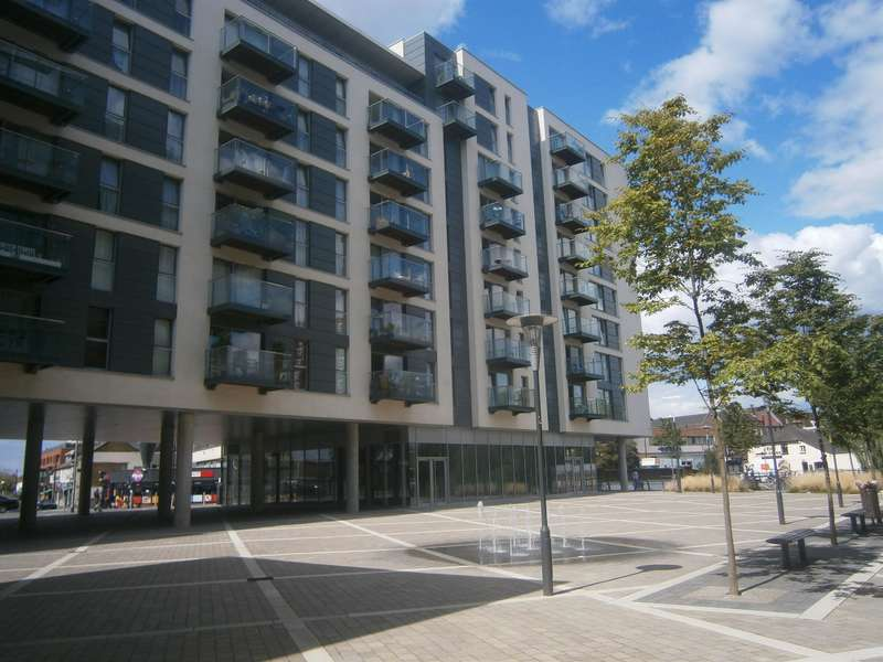 1 Bedroom Flat for sale in VANTAGE BUILDING, STATION APPROACH, HAYES, UB3 4FA
