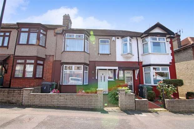 3 Bedrooms Terraced House for sale in Queenswood Avenue, Walthamstow, London