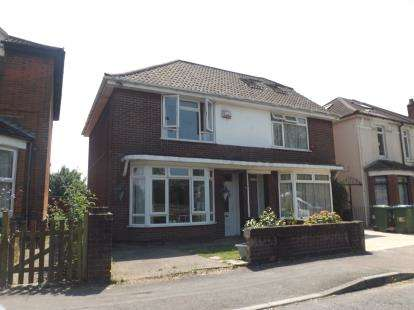 3 Bedrooms Semi Detached House for sale in Woolston, Southampton, Hampshire