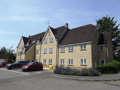 3 Bedrooms Flat for sale in Neilson House, Courthouse Road, Tetbury, Gloucestershire