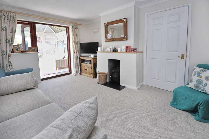 2 Bedrooms End Of Terrace House for sale in Old Field, Little Milton