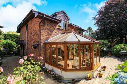 4 Bedrooms Detached House for sale in Westbourne Drive, St. Austell, Cornwall