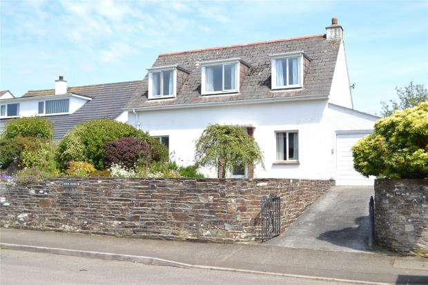 3 Bedrooms Detached House for sale in Bay View Road, Looe, Cornwall