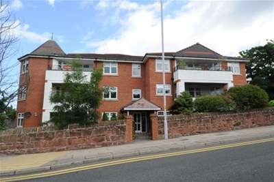 3 Bedrooms Flat for rent in Yew Tree Court, Grange Road, West Kirby