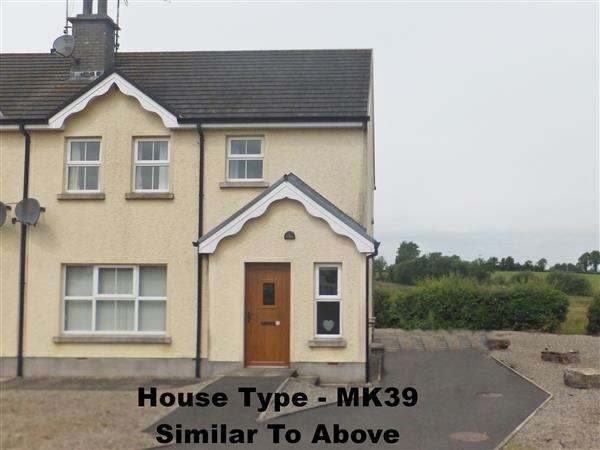 3 Bedrooms Semi Detached House for sale in Station Park