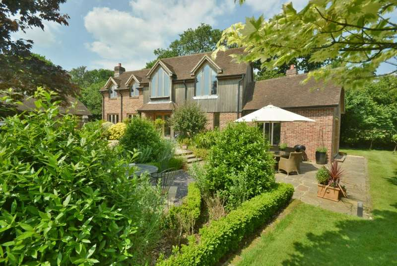 3 Bedrooms Detached House for sale in WOODLANDS, WIMBORNE - with Annex.