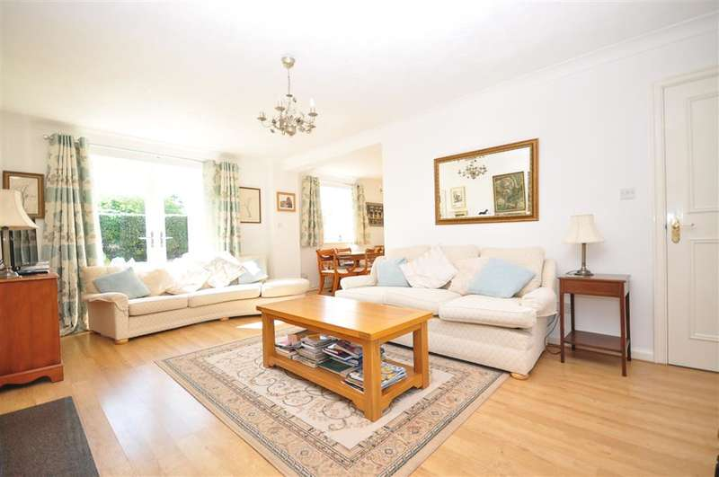 4 Bedrooms Detached House for sale in Nelson Close, Tangmere, Chichester, West Sussex