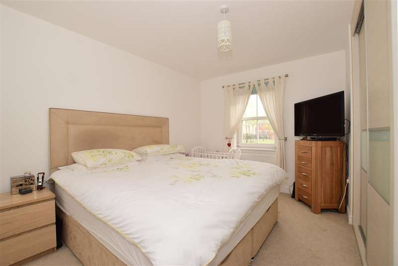 2 Bedrooms Ground Flat for sale in Rainbow Road, Erith, Kent