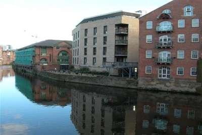 2 Bedrooms Flat for rent in No 1 Dock Street