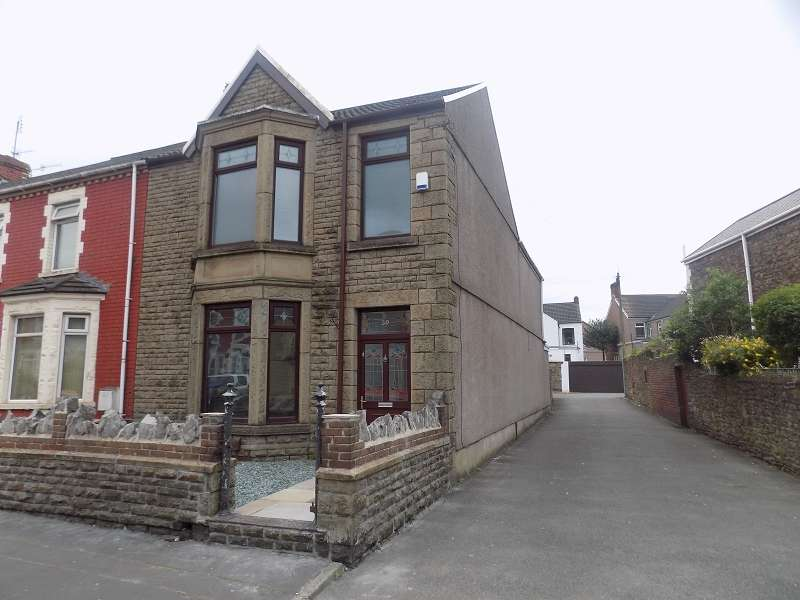 3 Bedrooms End Of Terrace House for sale in Tanygroes Street, Port Talbot, Neath Port Talbot. SA13 1EH