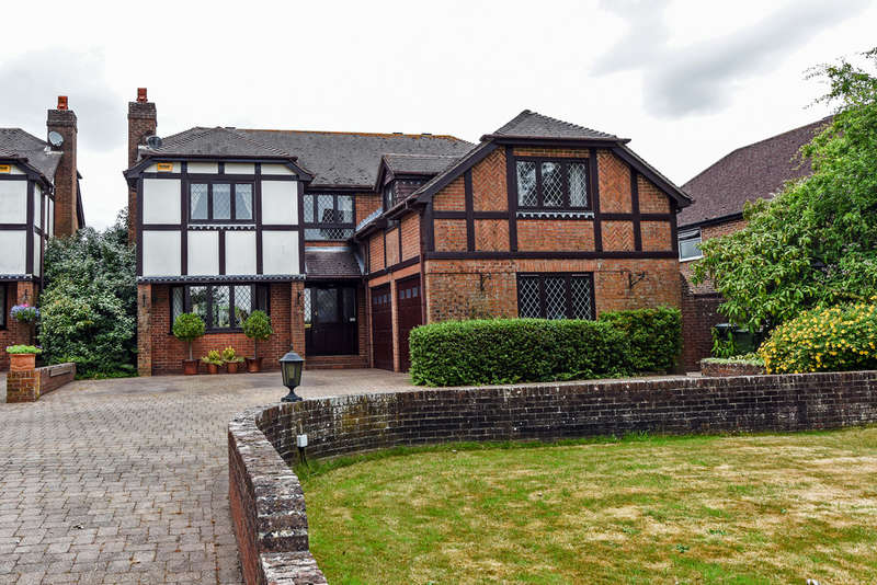 4 Bedrooms Detached House for sale in School Lane, Anthill Common
