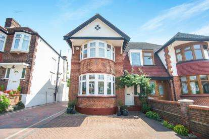 4 Bedrooms Semi Detached House for sale in The Birches, Grange Park, London