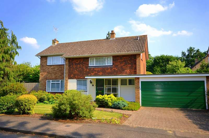 3 Bedrooms Detached House for sale in Cranleigh
