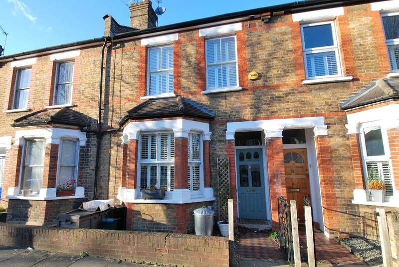 4 Bedrooms Terraced House for sale in Salisbury Road, Ealing, London, W13 9TT