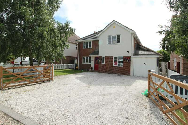 5 Bedrooms Detached House for sale in Chaucer House, New Thorpe Avenue, Thorpe-le-Soken, Clacton-on-Sea