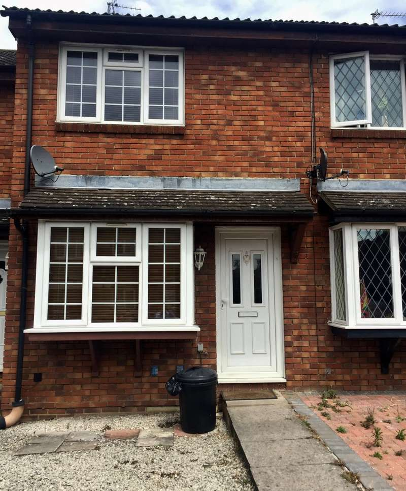 2 Bedrooms Terraced House for sale in Aldenham Drive, Uxbridge, Middlesex, UB8 3UA