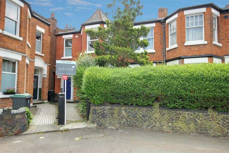 2 Bedrooms Flat for sale in Rathcoole Gardens, Crouch End, London