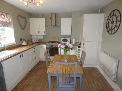 3 Bedrooms Semi Detached House for sale in Roughlee Grove, Burnley, Lancashire