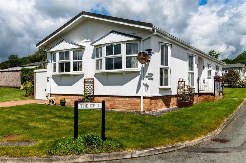 2 Bedrooms Park Home Mobile Home for sale in The Dell, Caerwnon, Builth Wells