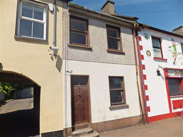 2 Bedrooms Terraced House for sale in 6 Main Street