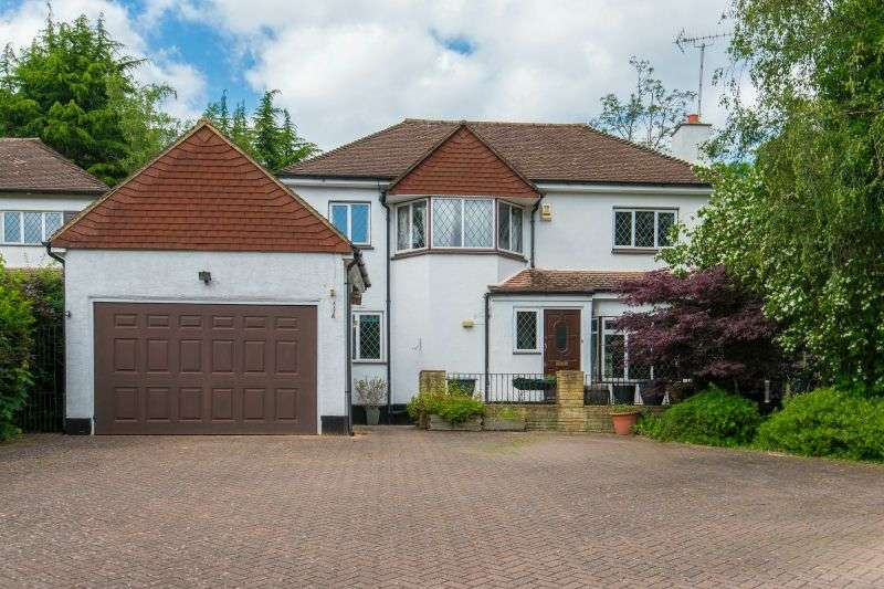 4 Bedrooms Detached House for sale in Valley Road, Rickmansworth, Hertfordshire, WD3