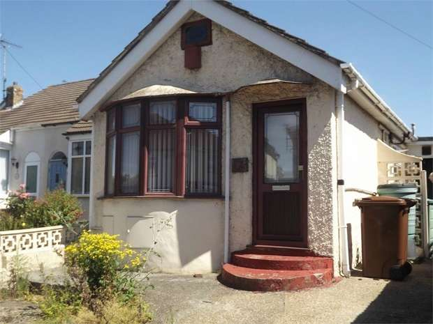 1 Bedroom Detached Bungalow for sale in Maidstone Road, Gillingham, Kent