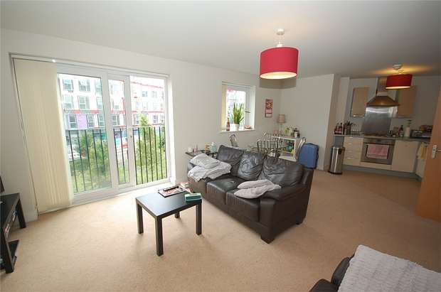 1 Bedroom Flat for sale in Slater House, Lamba Court, Woden Street, Salford, Greater Manchester