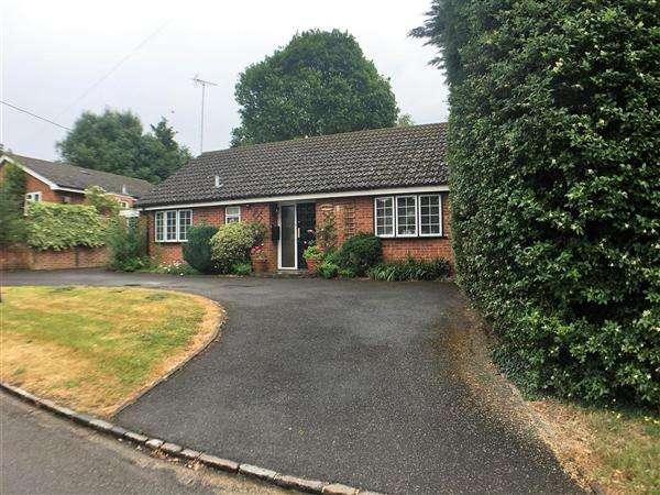 2 Bedrooms Bungalow for sale in Side Road, Higher Denham