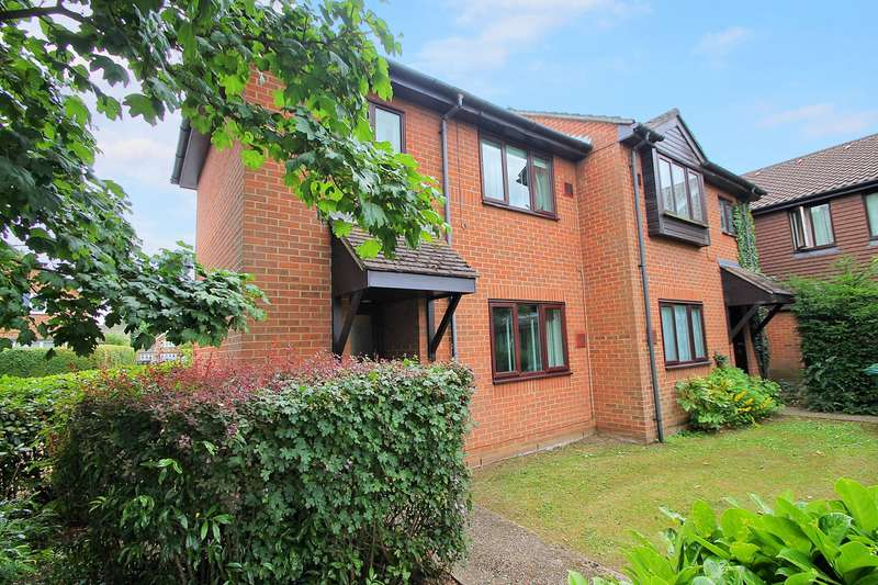 1 Bedroom End Of Terrace House for sale in Lowlands Drive, Stanwell Village, TW19