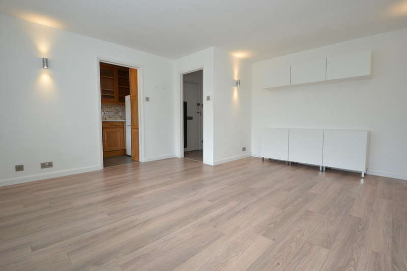 1 Bedroom Ground Flat for sale in Surbiton