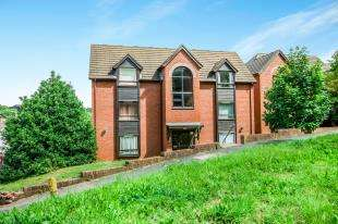 1 Bedroom Flat for sale in Beech House, 17 Elm Road, Redhill, Surrey