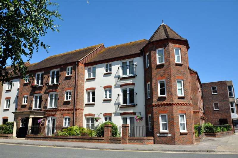 2 Bedrooms Retirement Property for sale in Pegasus Court, Deanery Close, Chichester, West Sussex, PO19