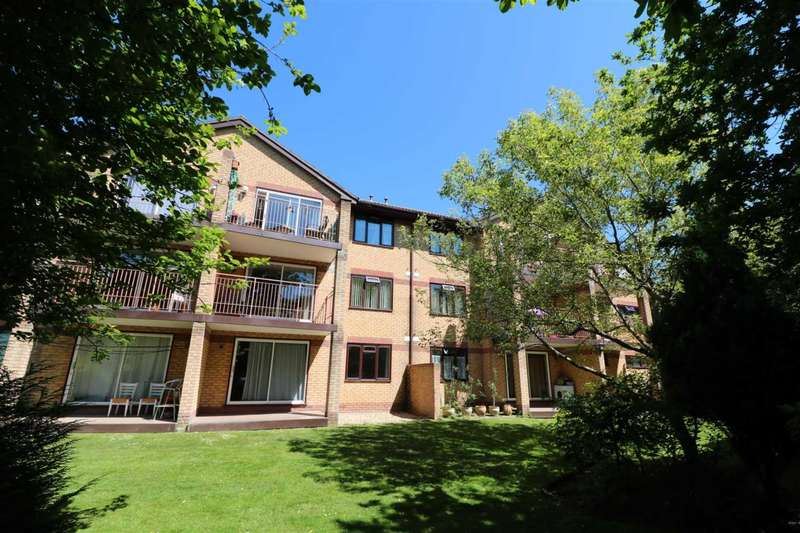 2 Bedrooms Flat for sale in Cavendish Road, Dean Park