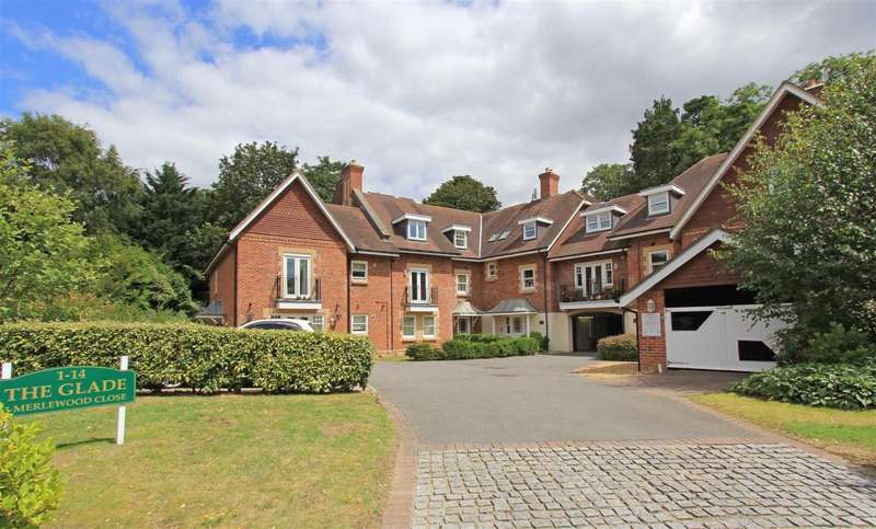 2 Bedrooms Flat for sale in Merlewood Close, Meyrick Park