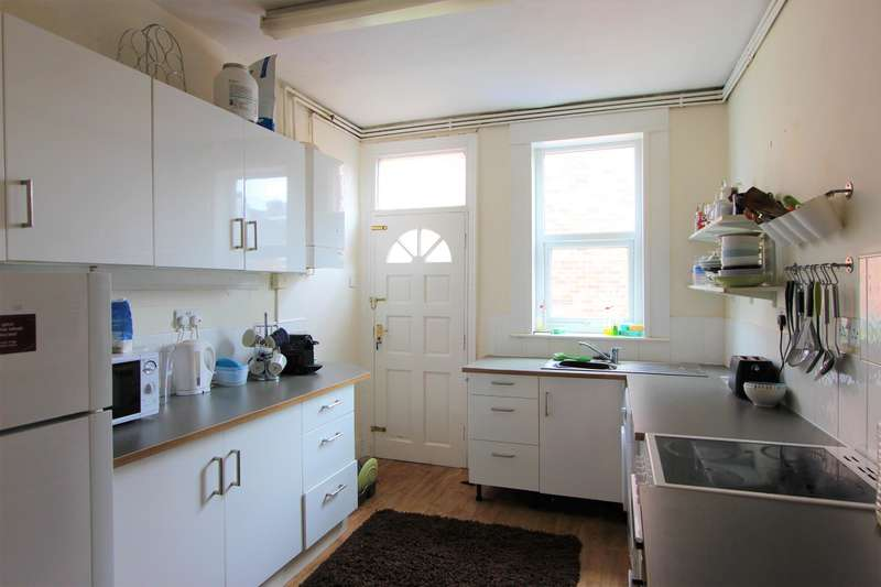 4 Bedrooms Terraced House for rent in Everton Road, Sheffield, S11 8RY