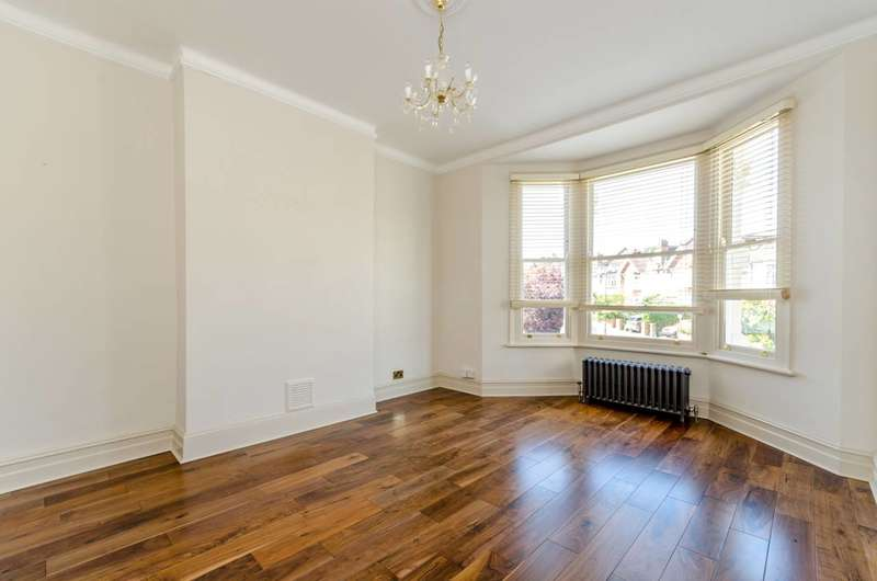 1 Bedroom Flat for sale in Home Park Road, Wimbledon, SW19