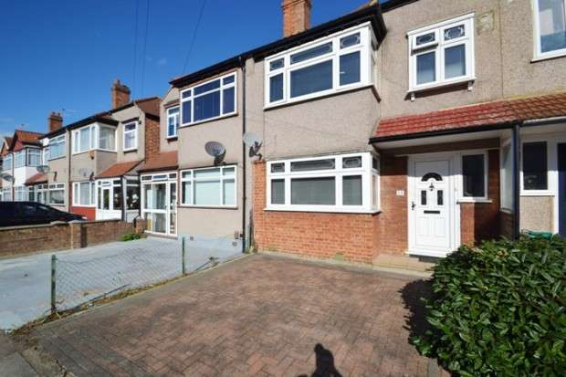 3 Bedrooms Terraced House for sale in Windermere Road, Streatham, SW16