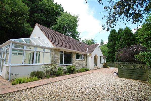 4 Bedrooms Bungalow for sale in Sandy Way, Bournemouth