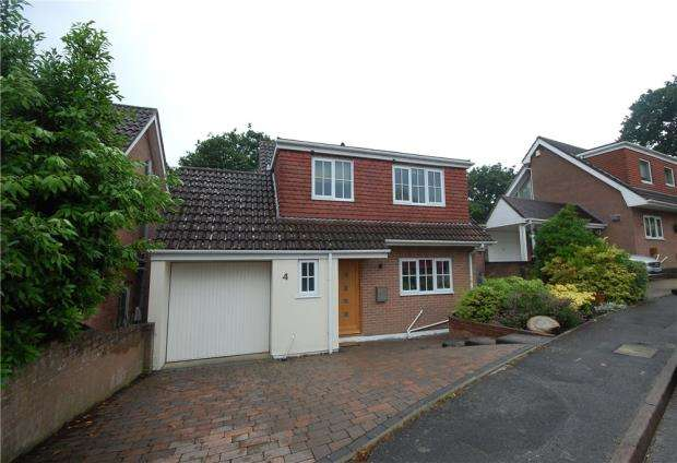 4 Bedrooms Detached House for sale in Poole, Dorset, BH15