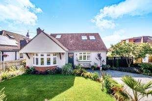 4 Bedrooms Detached House for sale in Lustrells Crescent, Saltdean, Brighton, East Sussex
