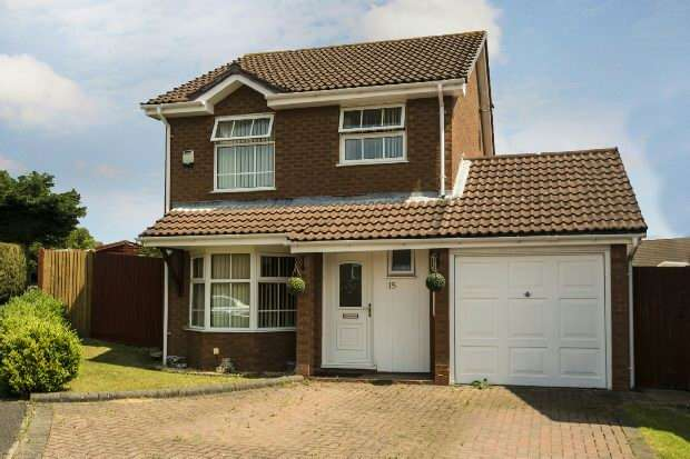 3 Bedrooms Detached House for sale in Delafield Drive, Calcot, Reading,