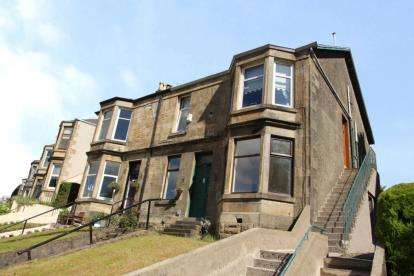 4 Bedrooms Flat for sale in Brachelston Street, Greenock