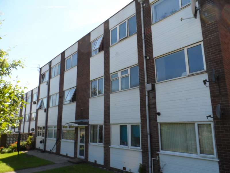2 Bedrooms Flat for sale in Newquay Court, Blackpool, FY2 0TJ